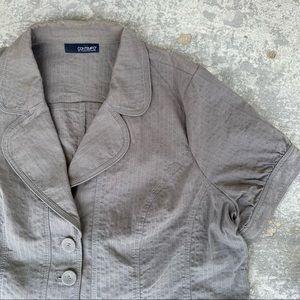 Pennington's Short Sleeved Buttoned Blazer
